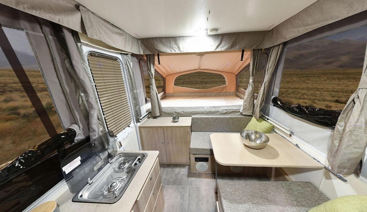 4536573 - Camper Trailers