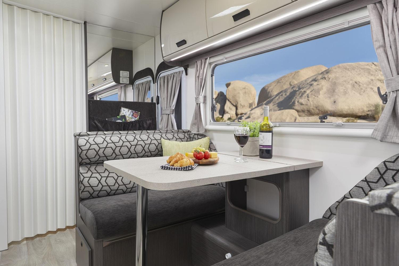 luQOqRmX2exg6xdn7Q7UGDPtY - 2020 Jayco Journey Caravan